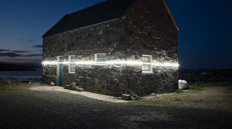 In Scozia una linea luminosa rende visibile l'innalzamento del livello dei mari